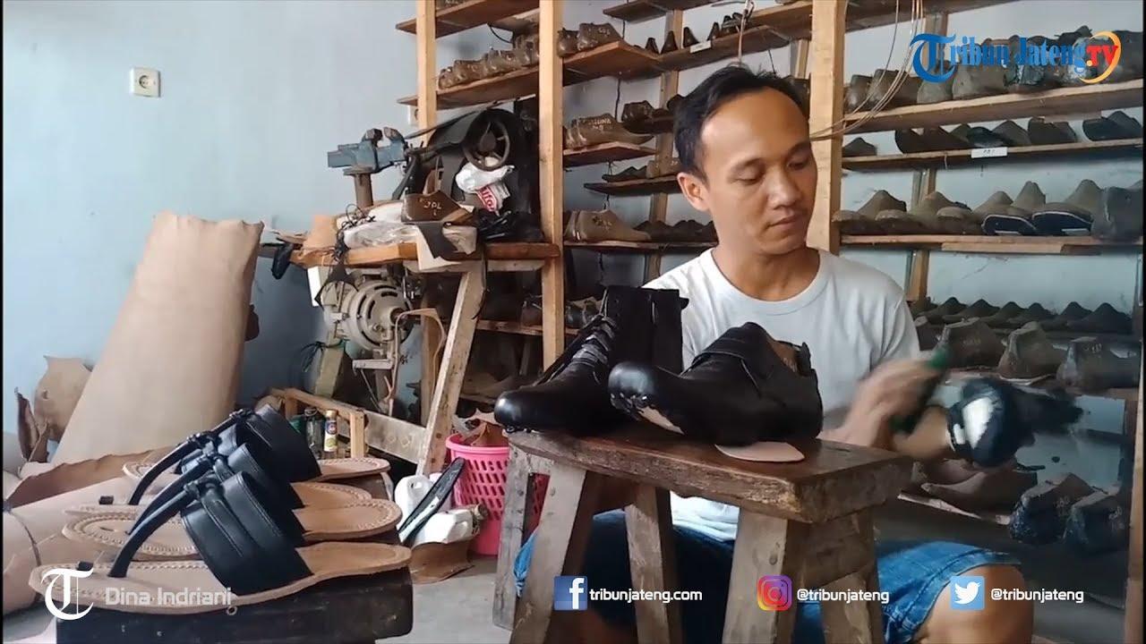 Melihat Industri Kerajinan Kulit di Desa Masin Batang